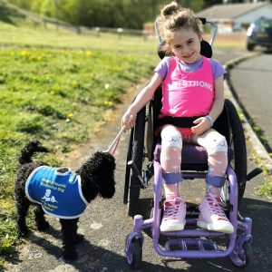 Carmela, 7 Jahre alt, UK